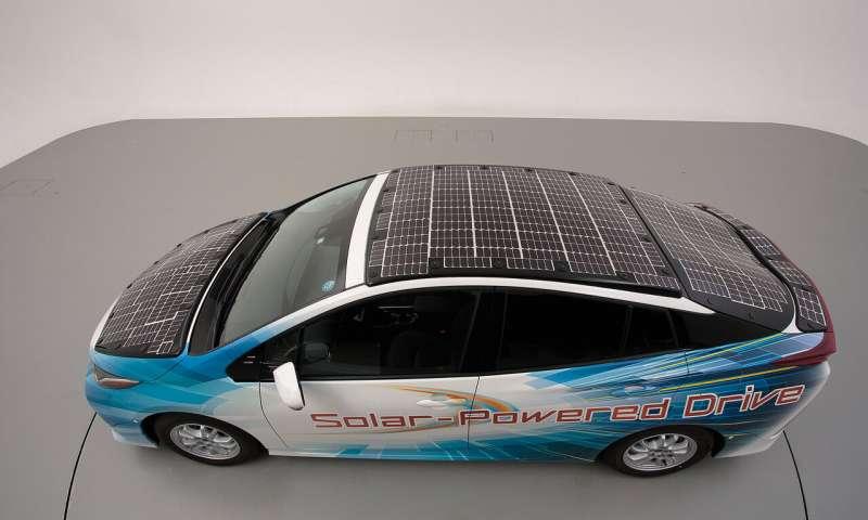 Toyota demo car pannelli solari auto elettriche
