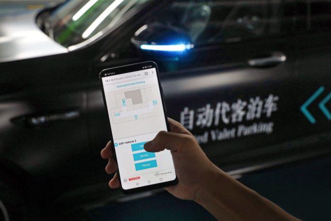 Bosch Daimler parcheggio guida autonoma AUtomated Valet Parking