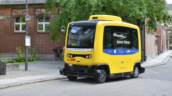 Berlino bus senza conducente a guida autonoma