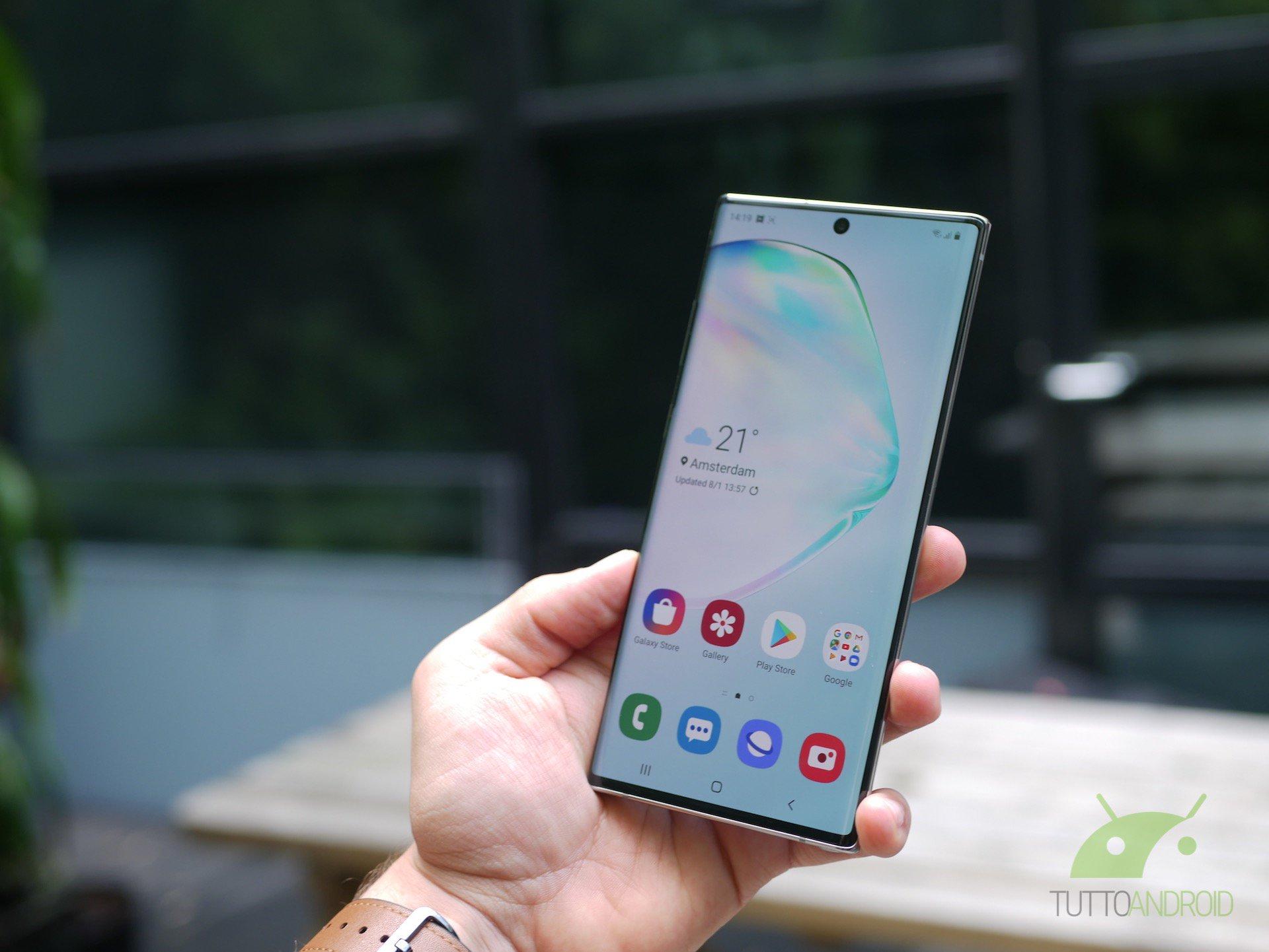 iPhone 11 potrebbe usare la stessa tipologia di display del Samsung Galaxy Note 10 1