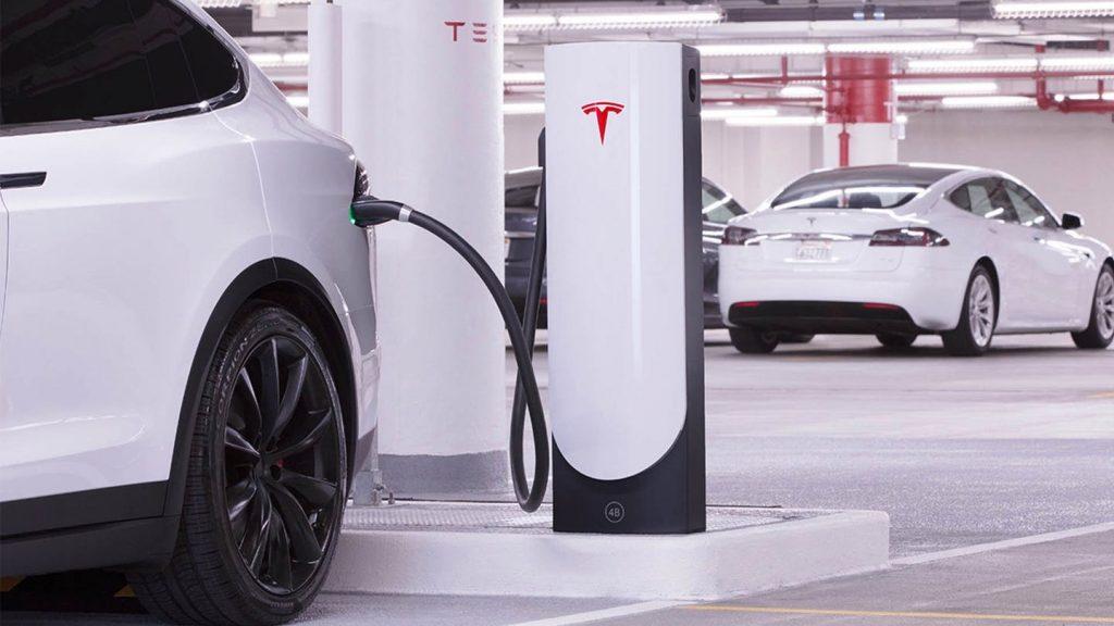 Quanto costa ricaricare un'auto elettrica alle colonnine Supercharger Tesla