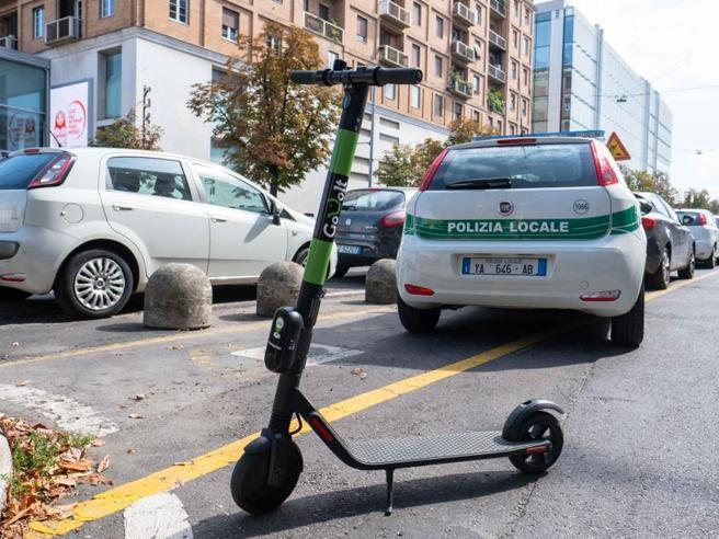 Monopattini elettrici in sharing a Milano, manca ancora il bando