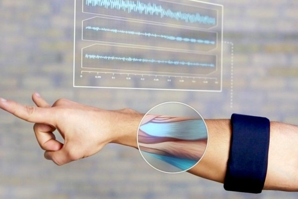 armband Myo brevetto facebook per leggere il nostro cervello