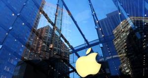 Apple domina il settore smartphone con cifre da record