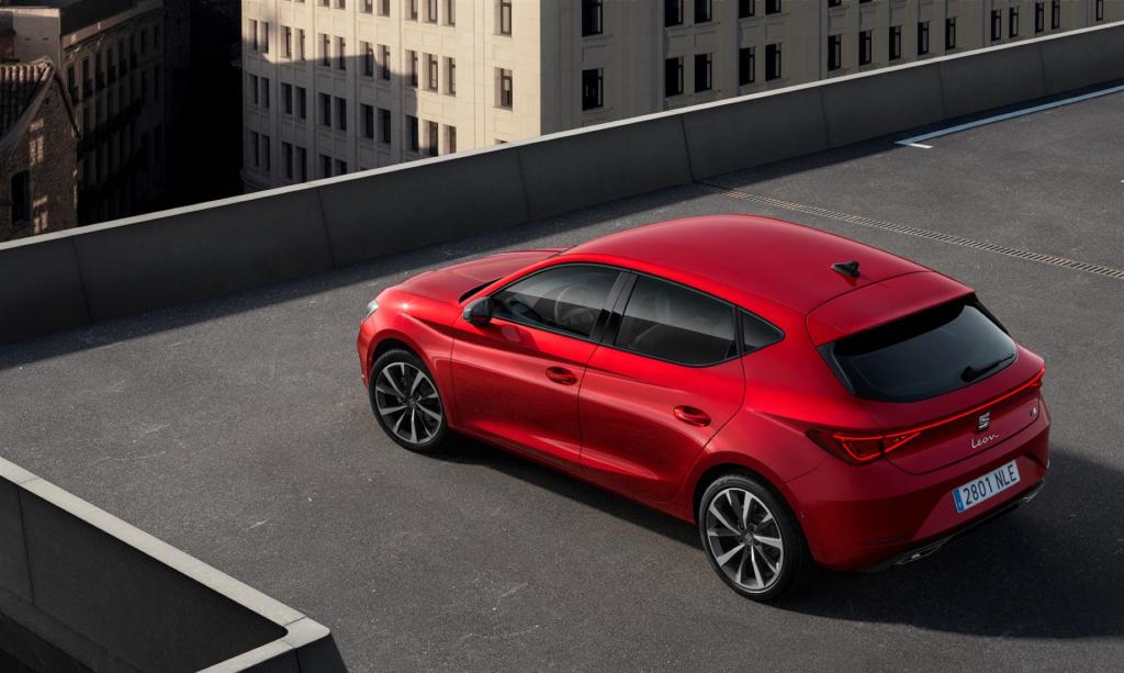 La nuova Seat Leon 2020 è qui, è piena di tecnologia ed è anche ibrida 1
