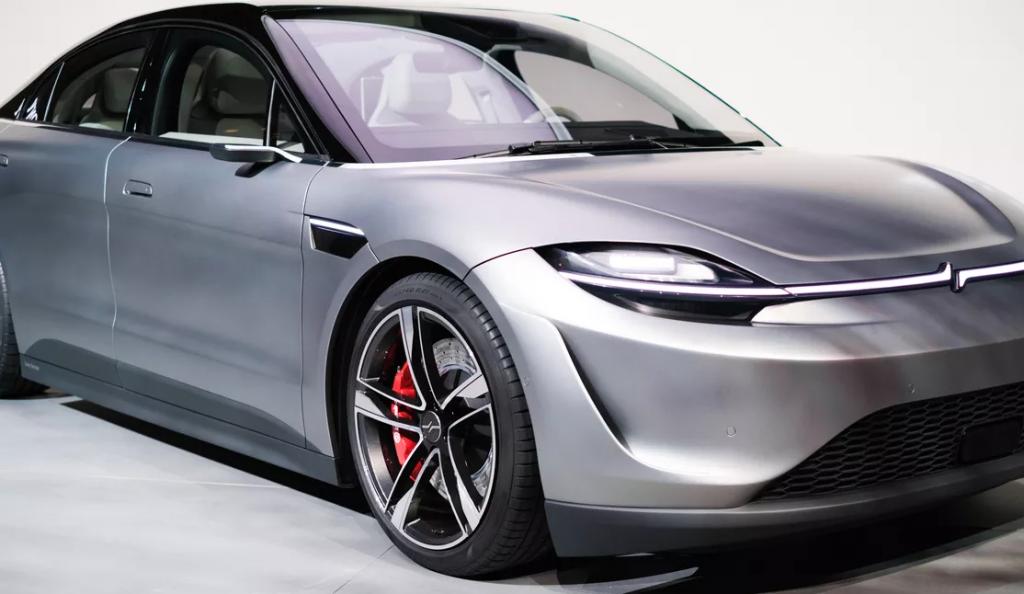 Sony sorprende al CES con il concept di un'auto elettrica dal nome Vision S 2