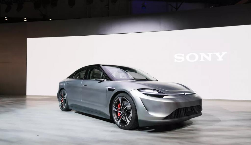 Sony sorprende al CES con il concept di un'auto elettrica dal nome Vision S 1