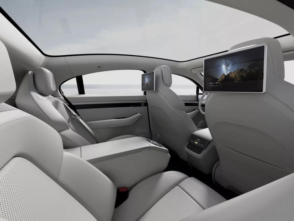Sony sorprende al CES con il concept di un'auto elettrica dal nome Vision S 5