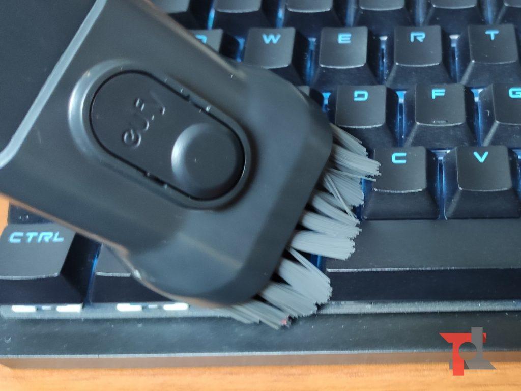 Recensione eufy HomeVac H11, il piccolo aspirapolvere da scrivania 6
