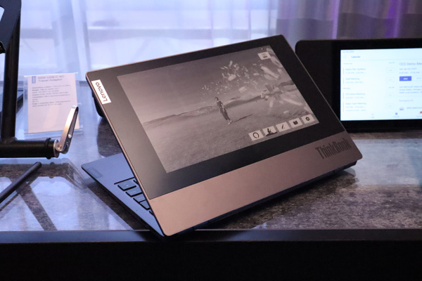 Novità Lenovo al CES di Las Vegas: ThinkPad X1 Fold pieghevole, Yoga con connettività 5G e ThinkBook Plus con display e-ink 10