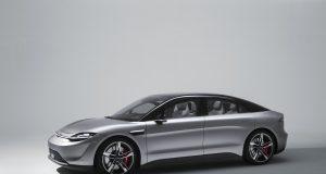 Sony spiazza tutti al CES presentando Vision S, la sua prima auto