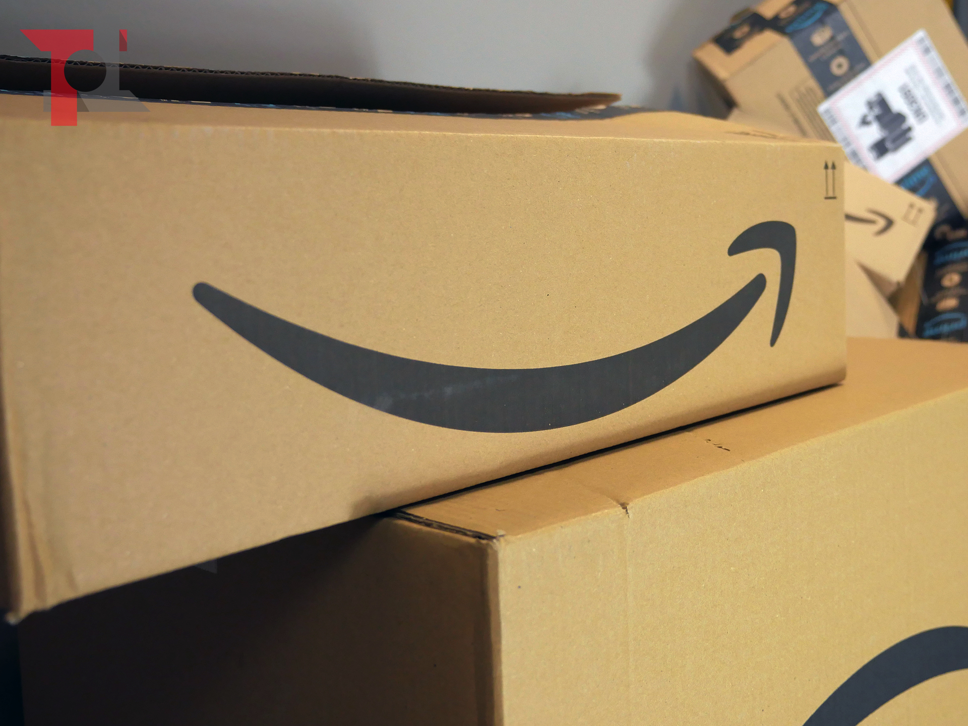 Coronavirus: Amazon Italia consegna solo beni necessari, spedizioni videogiochi in ritardo