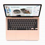 Apple presenta il nuovo MacBook Air, con schermo Retina e Magic Keyboard 5