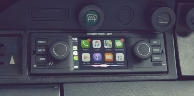 porsche classic communication management android auto apple carplay