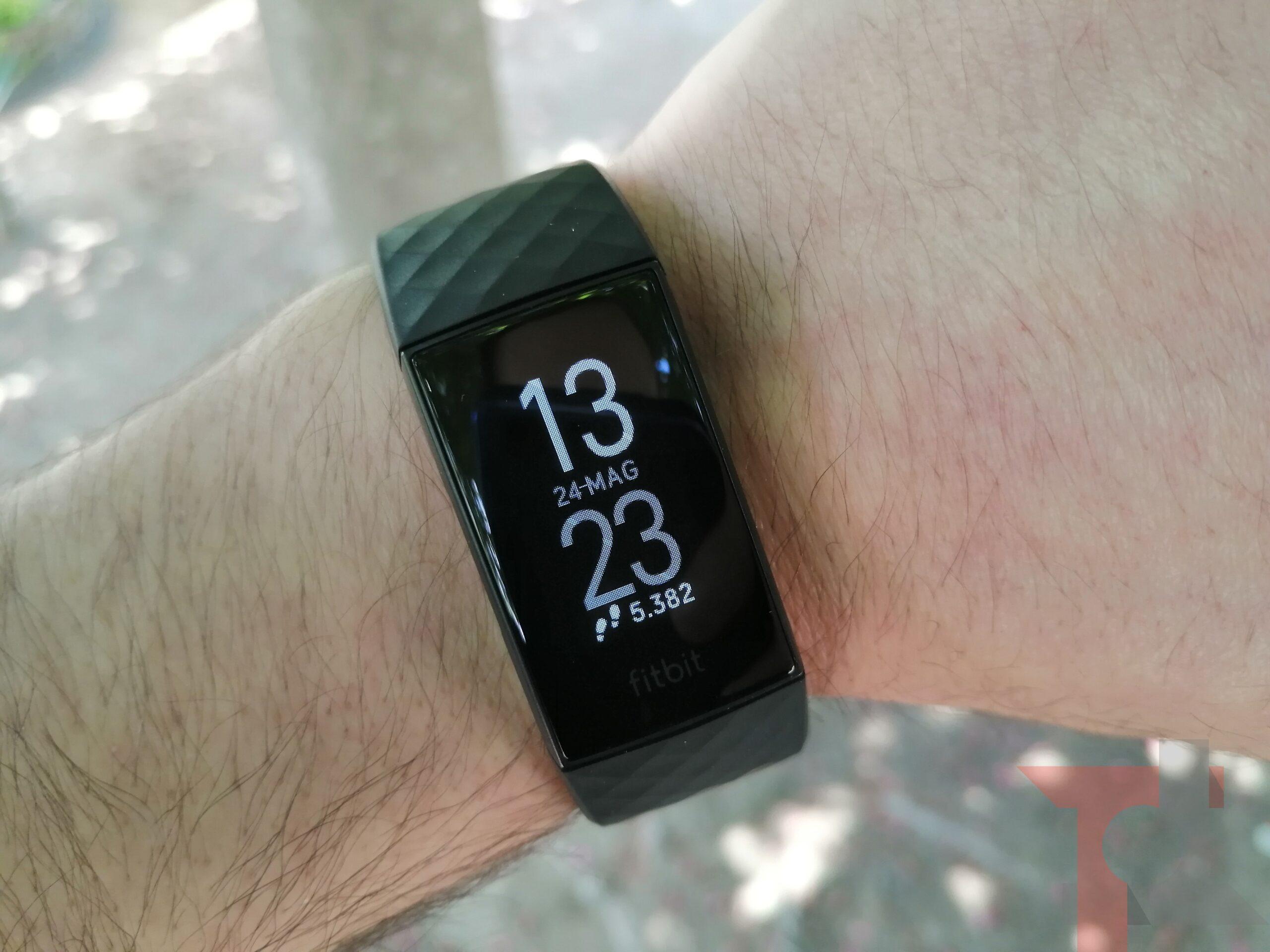 Recensione Fitbit Charge 4: la smartband più affidabile ma non senza difetti 31