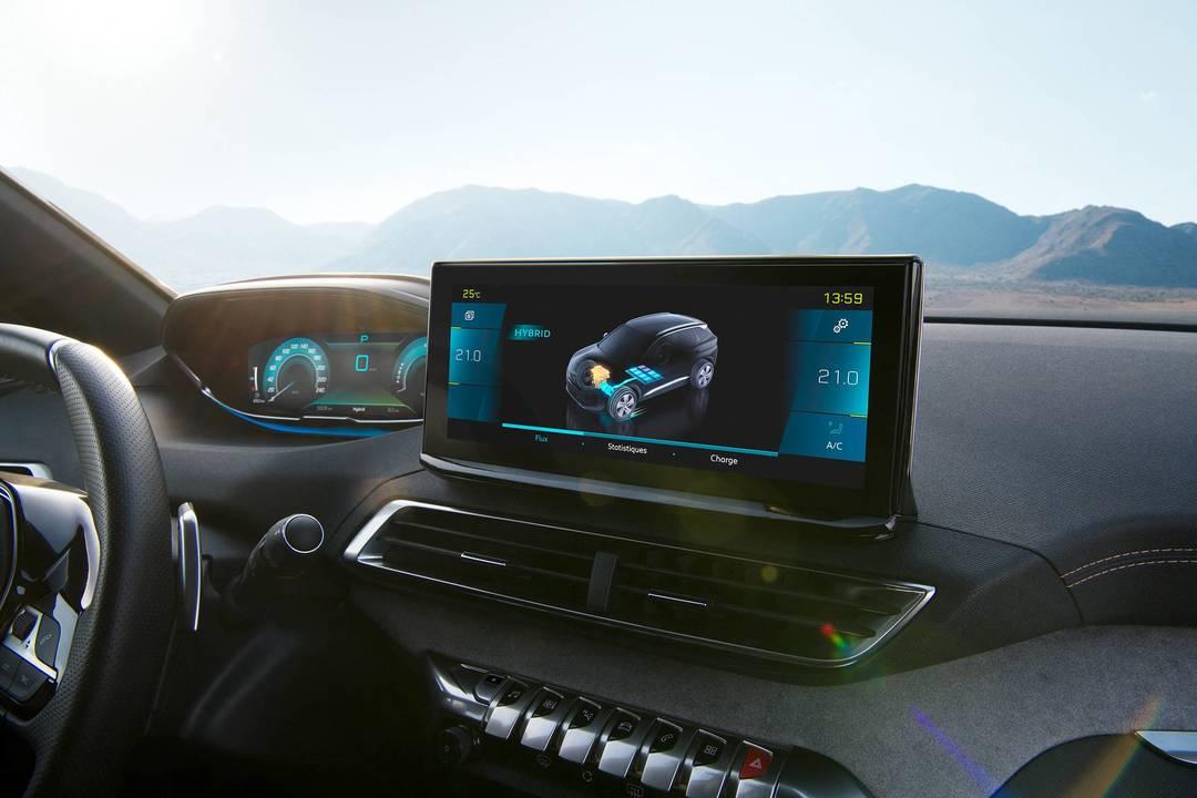 Peugeot 3008 si rinnova: motorizzazioni, dotazioni tecnologiche e disponibilità 2