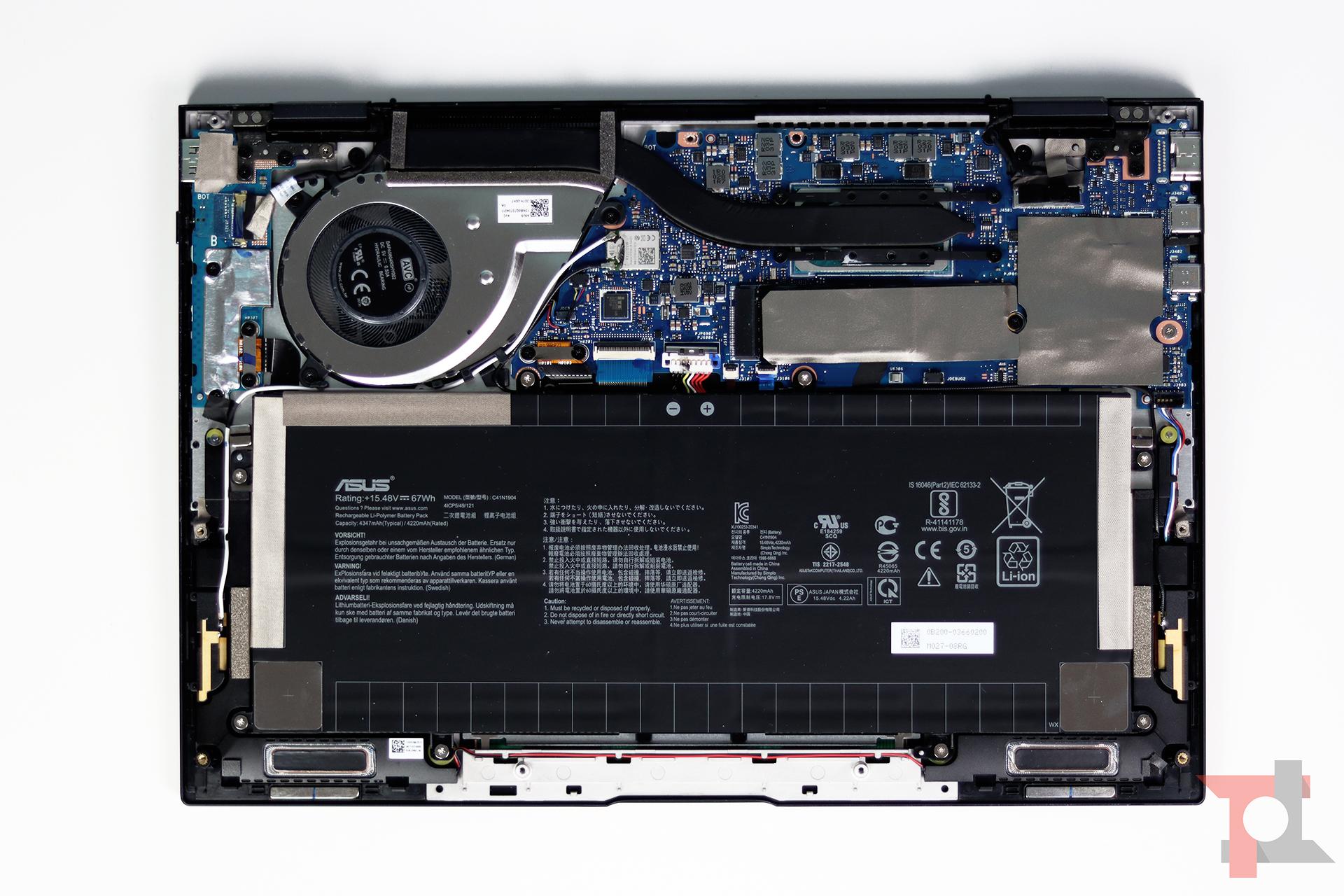 Asus Zenbook Flip S interno