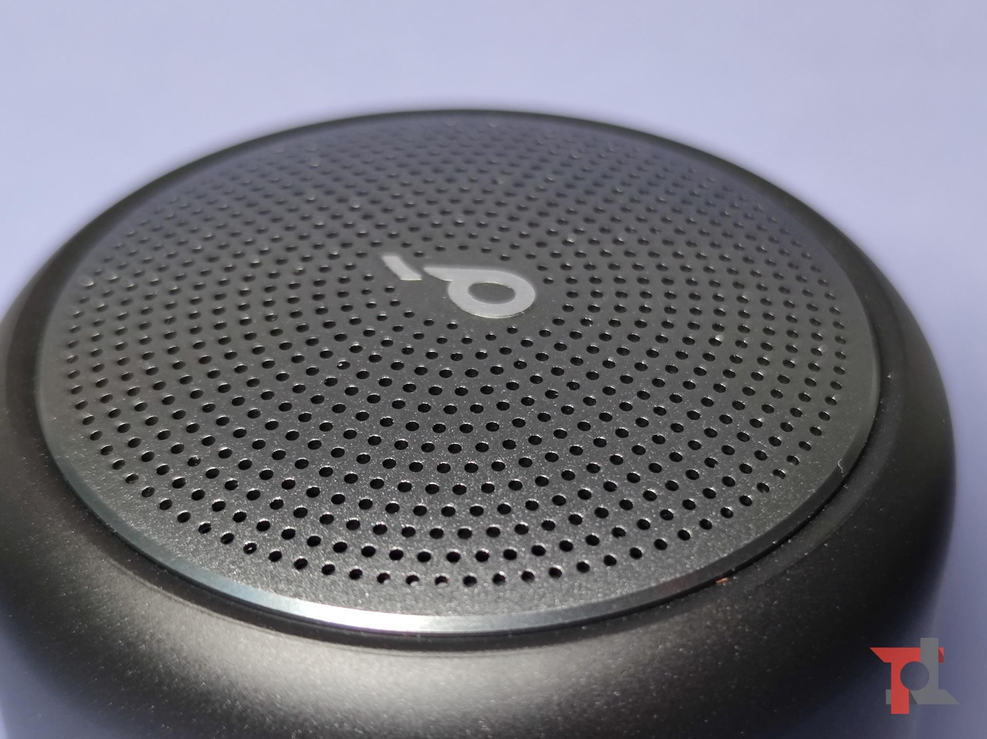 Recensione Soundcore Mini 3, piccolo speaker tuttofare che non teme l'acqua 6