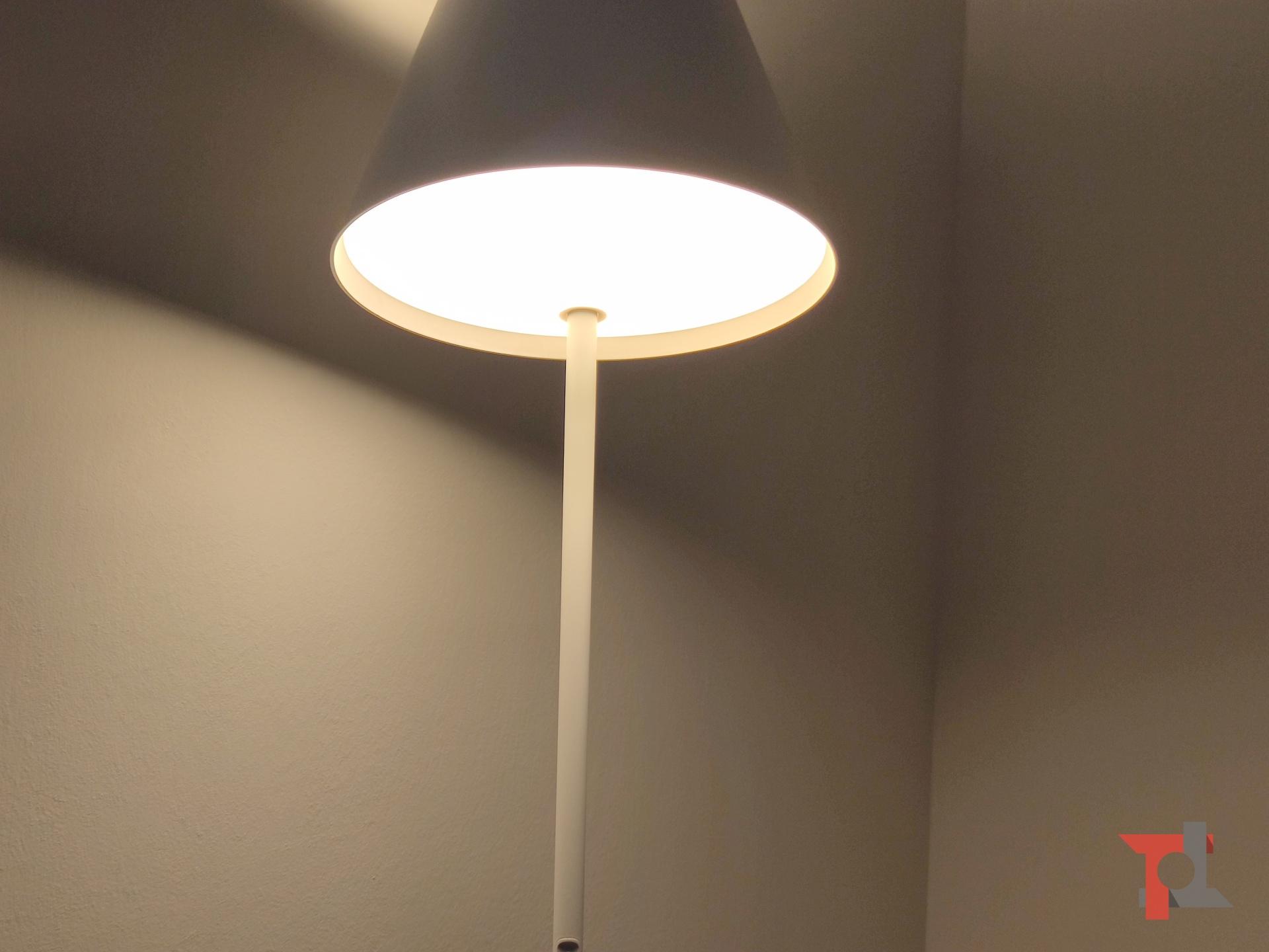 Recensione Yeelight Floor Lamp, la lampada da pavimento che crea l'atmosfera giusta 5