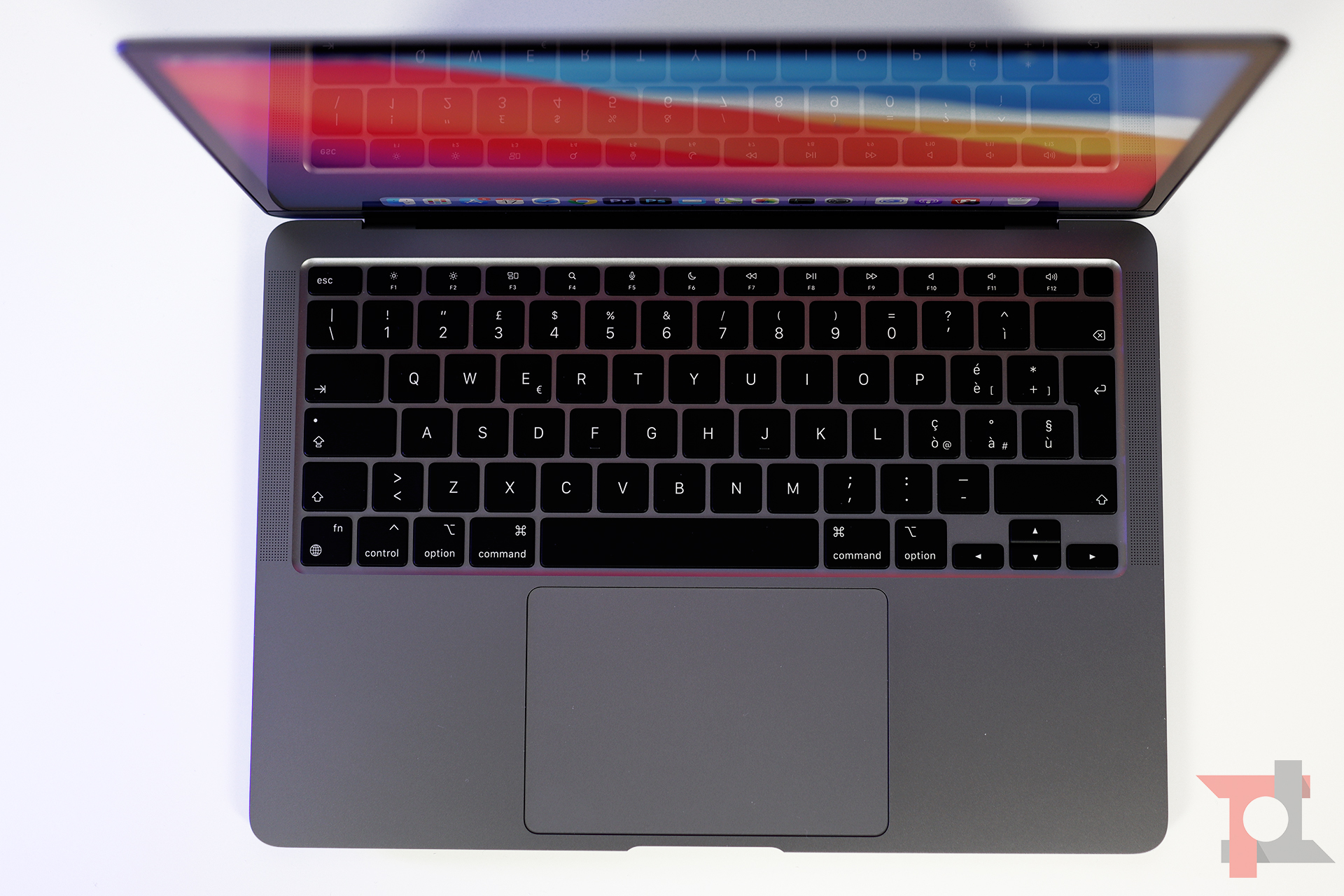 apple macbook air m1 tastiera