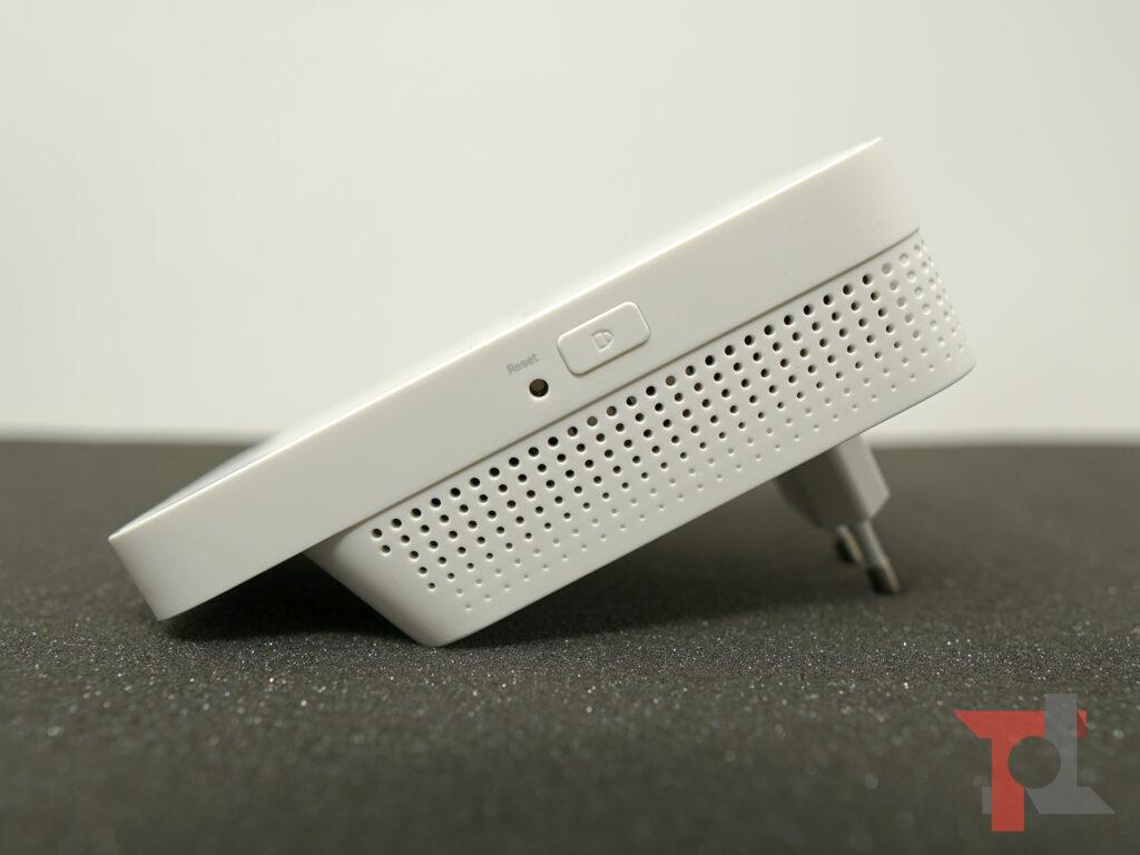 Modem router TP-Link Archer MR600 e ripetitore WiFi OneMesh RE300