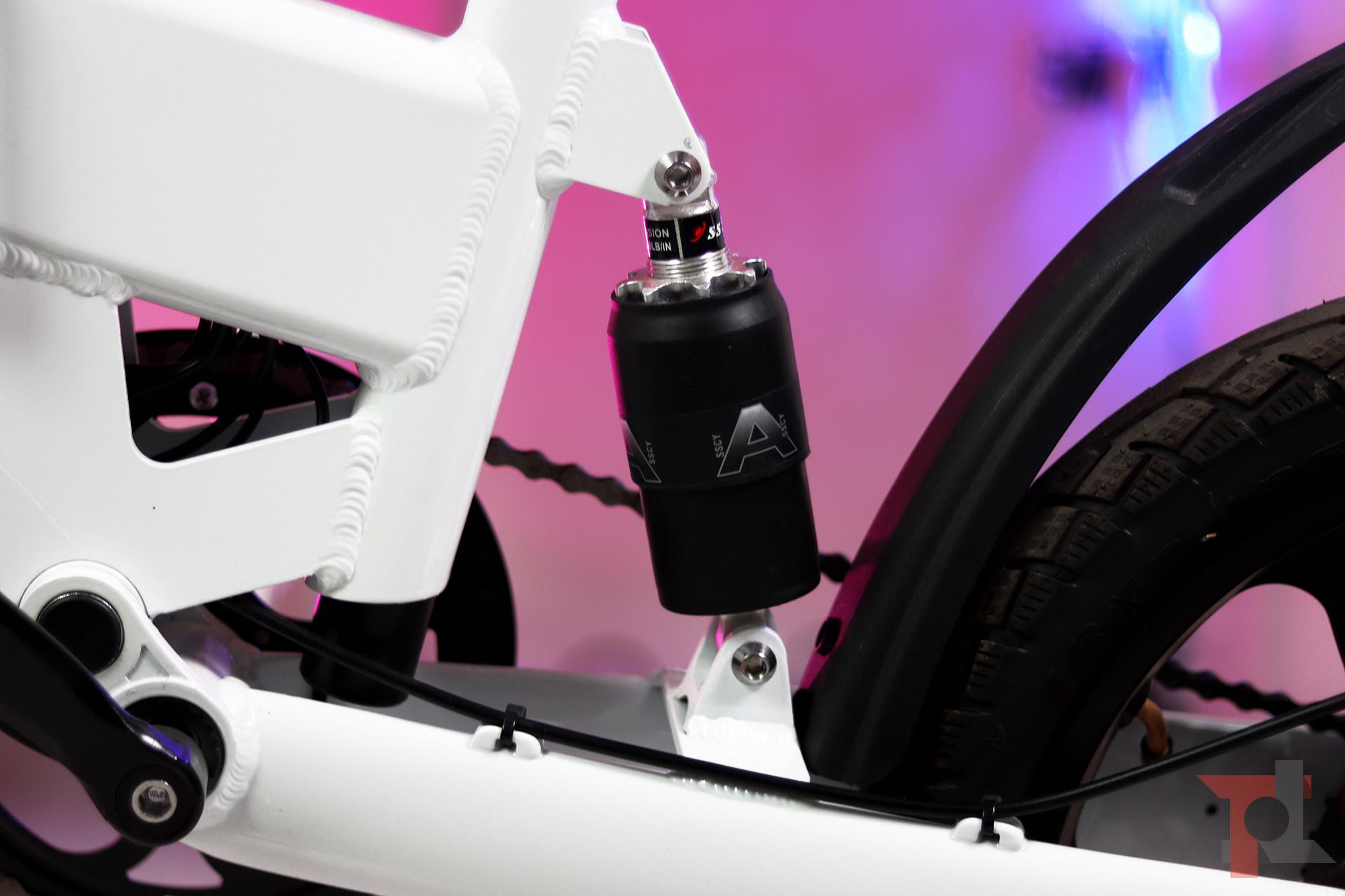 ADO A16 è la nuova bici elettrica per la città: low cost ma senza rinunce e con tanti extra 2