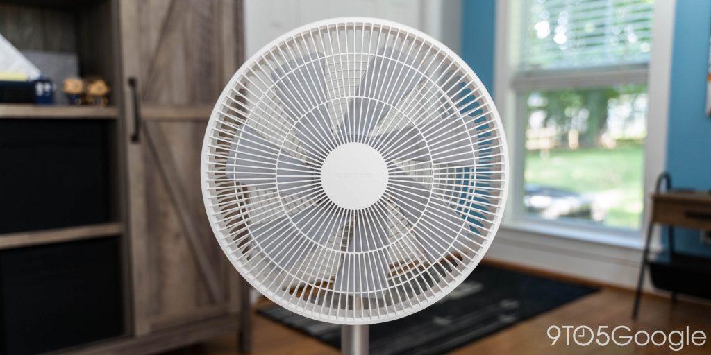 Il ventilatore SmartMi Standing Fan 3 è ufficiale per rinfrescare le calde giornate estive 1