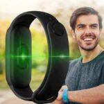 Con meno di 10 euro potete acquistare questo fitness tracker impermeabile 8