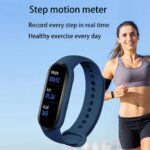 Con meno di 10 euro potete acquistare questo fitness tracker impermeabile 3
