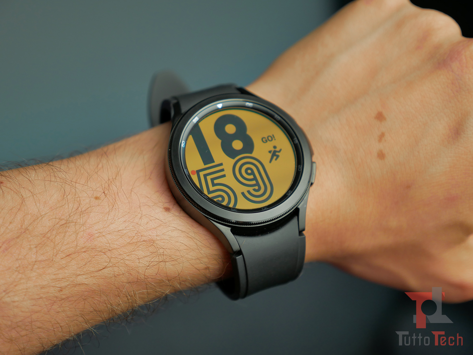 Recensione Samsung Galaxy Watch4 (Classic): nuovi sensori e nuovo OS, sorprende! 5