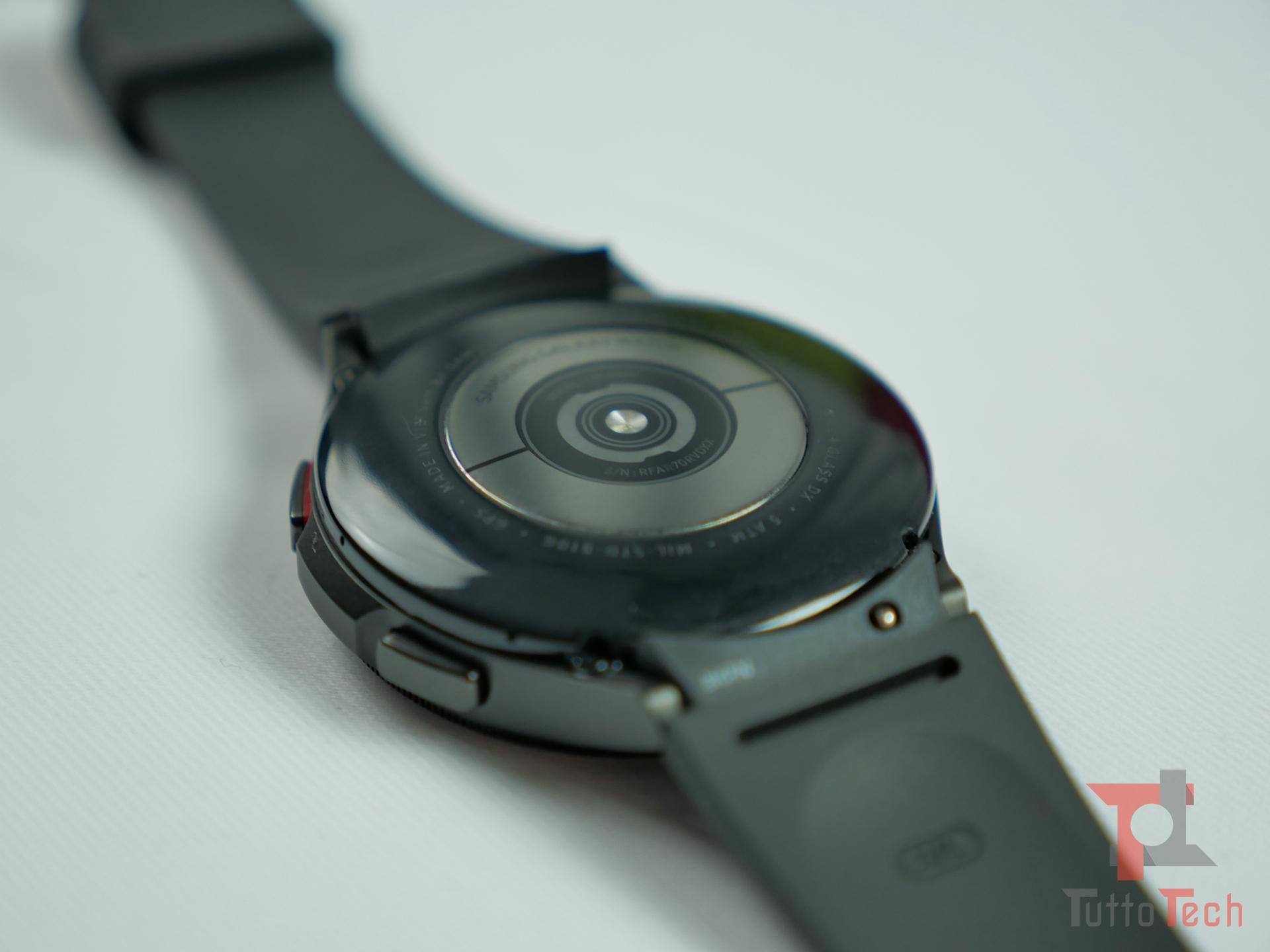 Recensione Samsung Galaxy Watch4 (Classic): nuovi sensori e nuovo OS, sorprende! 2