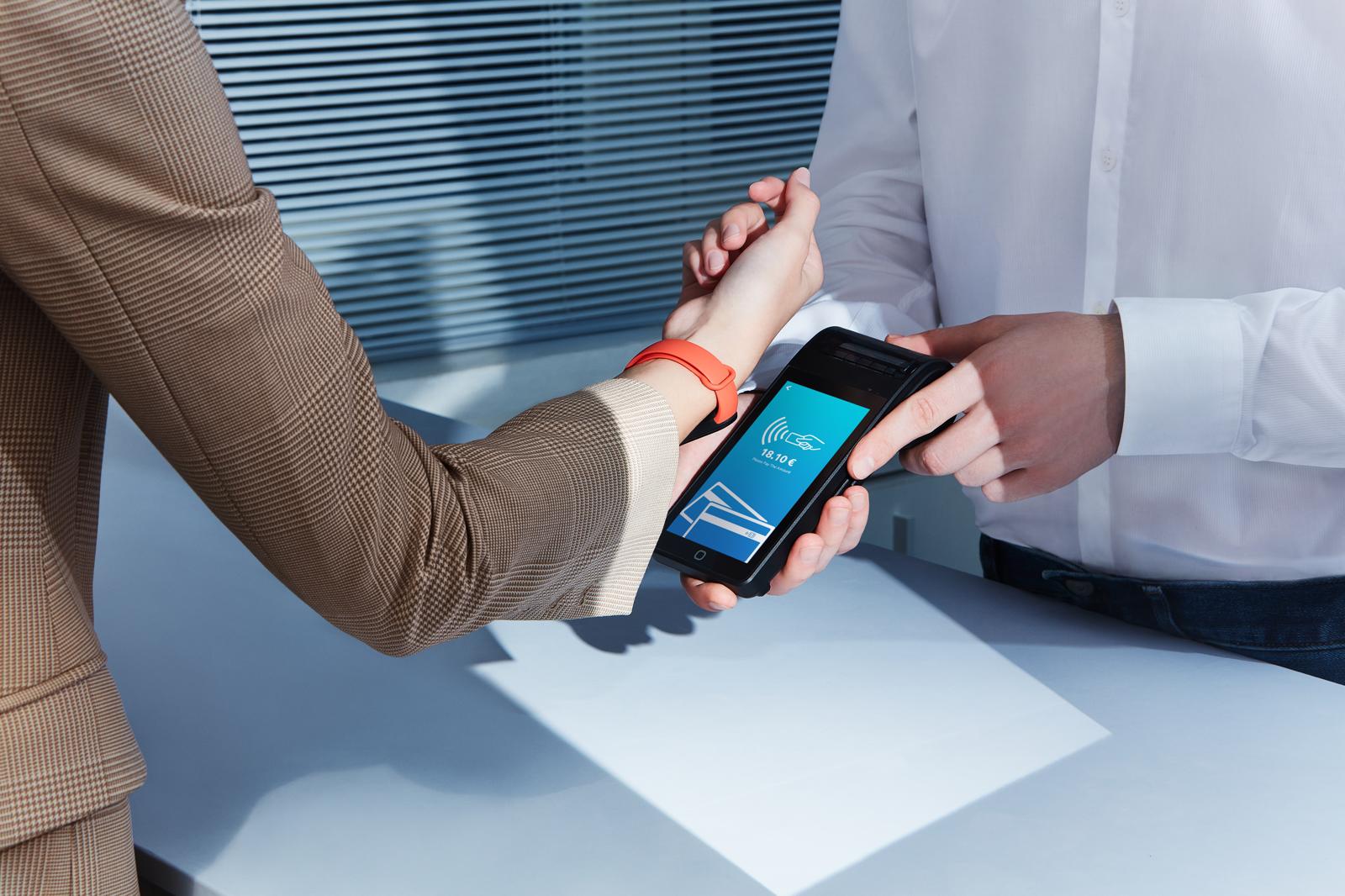 Xiaomi Mi Smart Band 6 NFC porta i pagamenti contactless in Italia insieme a Mastercard 2