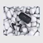 Questi auricolari true wireless QCY sono scontati del 50% su TomTop 2