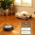 Il nuovissimo Roomba di iRobot evita anche gli escrementi del cane 8