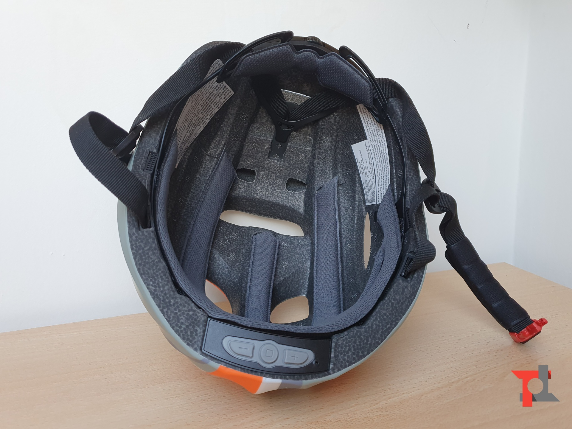 In bici con la musica? Si, con il casco Smart4U SH20: la nostra recensione 3